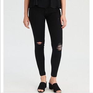 American Eagle Ripped Knee Black Jegging 4